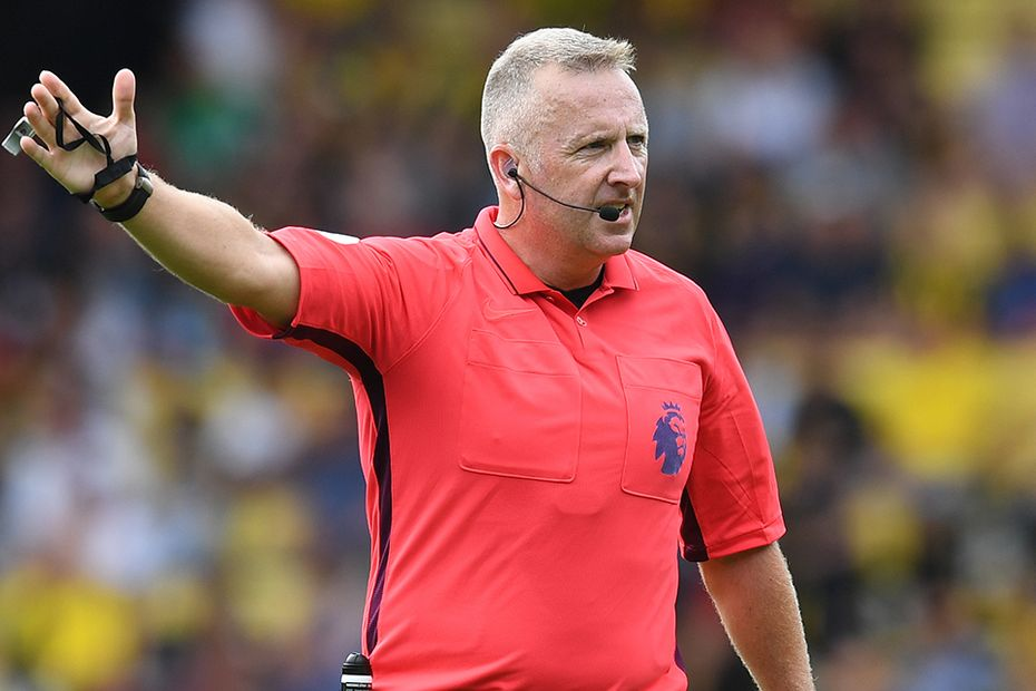 Jonathan Moss, referee