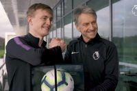 Oliver Skipp receives his PL Debut Ball