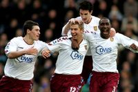 Goal of the day: Hitzlsperger the hero for Villa