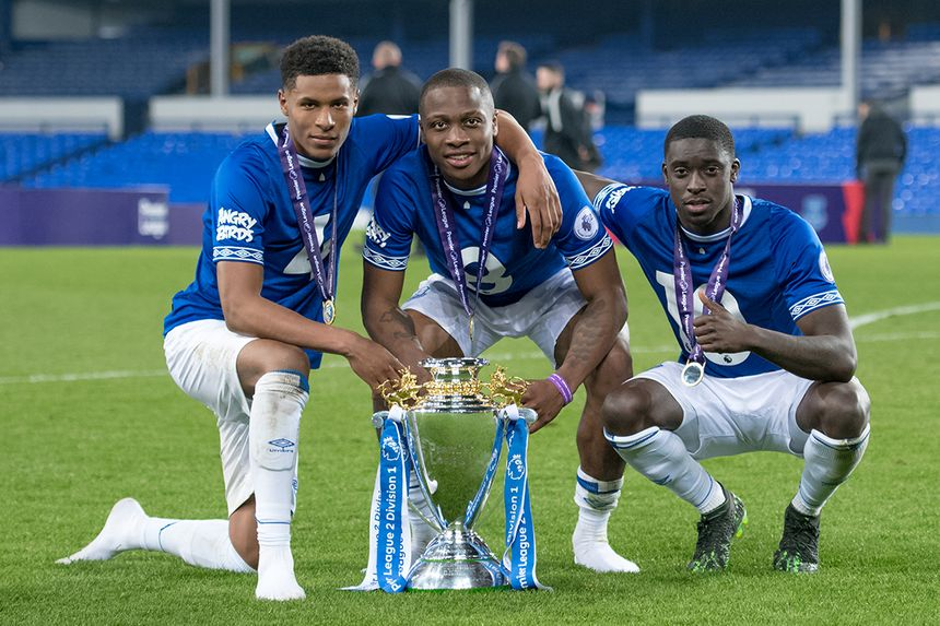 Everton celebrate winning the PL2 Division 1 title