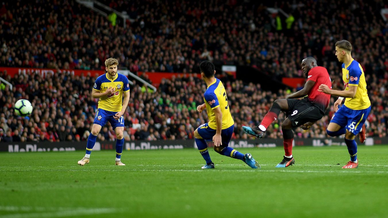 Romelu Lukaku calmly finishes to snatch victory at Old Trafford