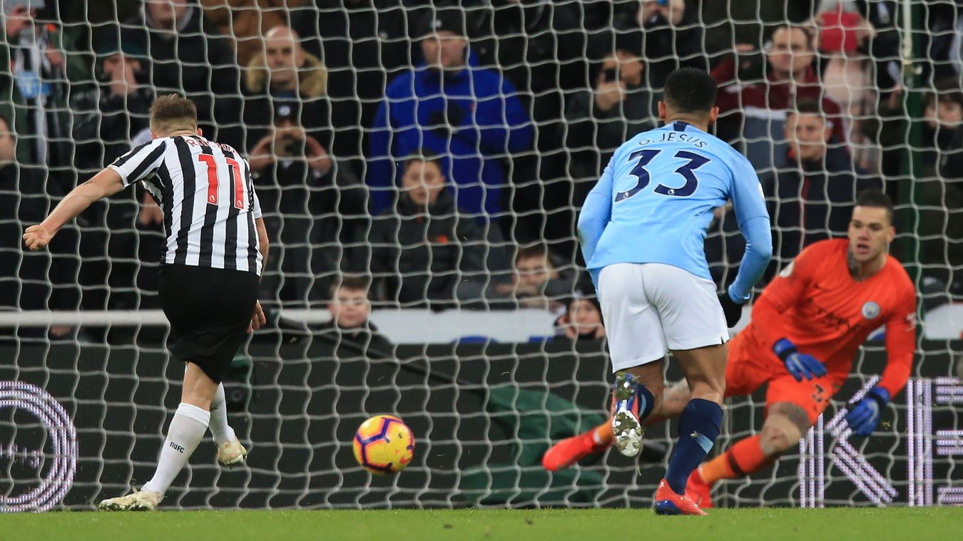 Matt Ritchie beats Ederson from the spot to complete the comeback