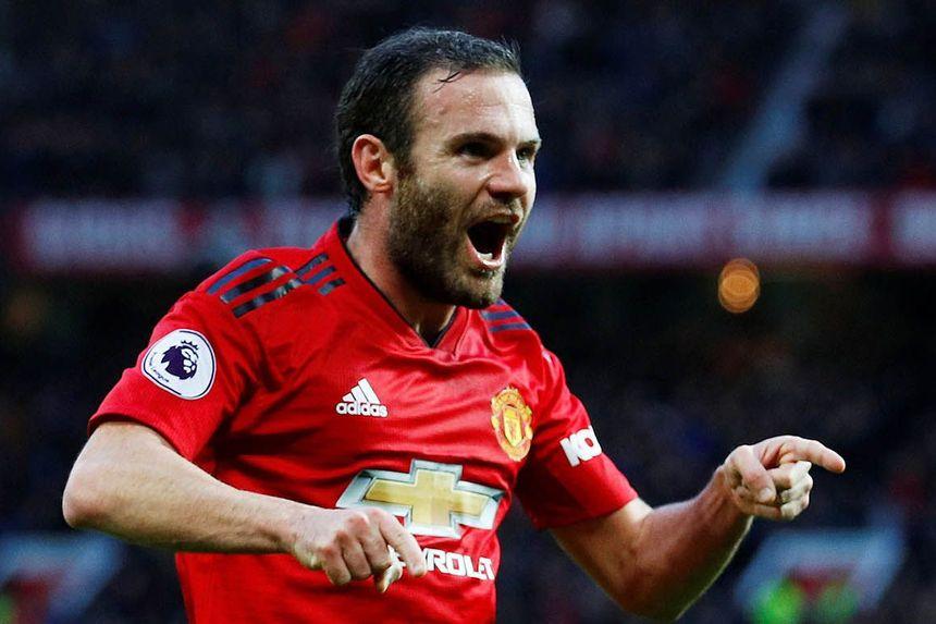 Role-model Mata Signs New Man Utd Deal