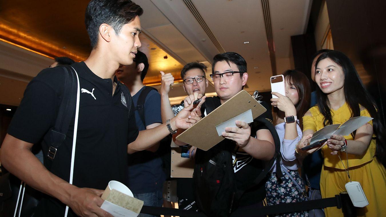 Clubs arrive for Premier League Asia Trophy
