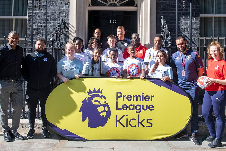PL Kicks at Number 10 Downing Street