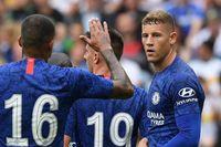 FPL experts reveal their top midfielder picks