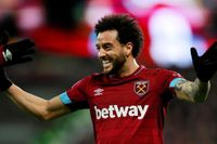 Goal of the day: Felipe Anderson curls in a beauty