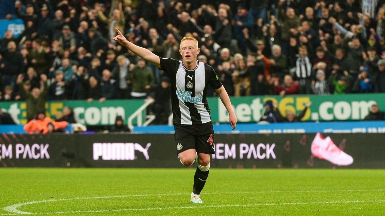 Newcastle United v Wolverhampton Wanderers