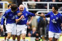 Goal of the day: Carsley curls in for Everton