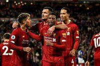 Neville: I can't see anyone stopping Liverpool