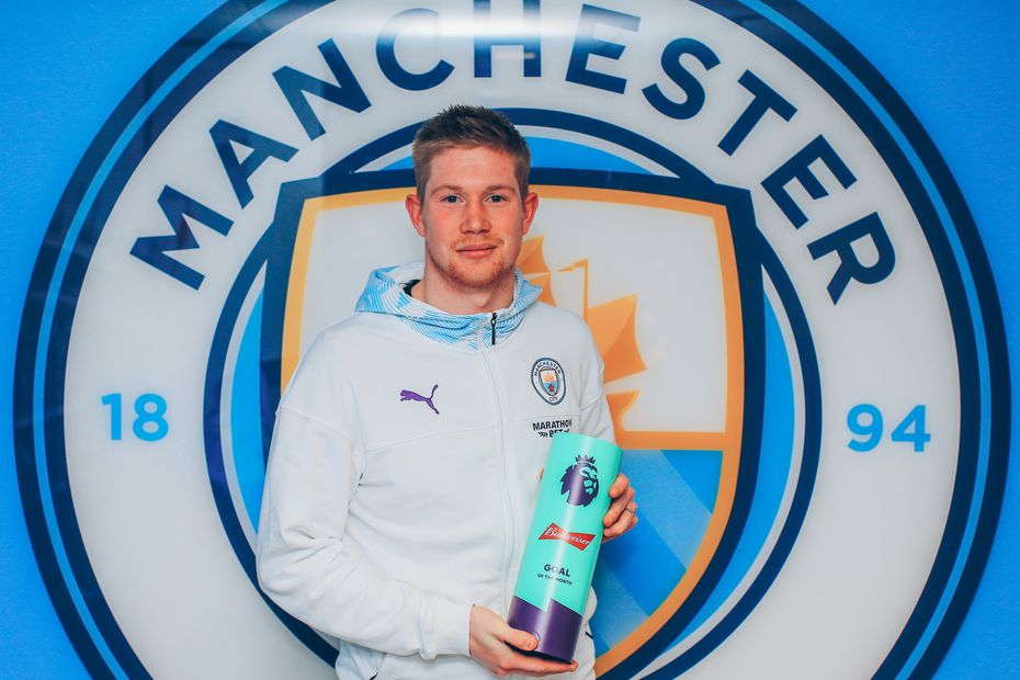 Kevin De Bruyne picks up his November 2019 Budweiser Goal of the Month award