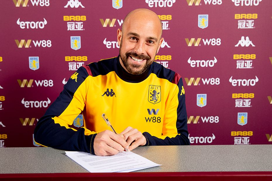 Pepe Reina signs for Aston Villa