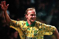Flashback: Goss gives Norwich Anfield win