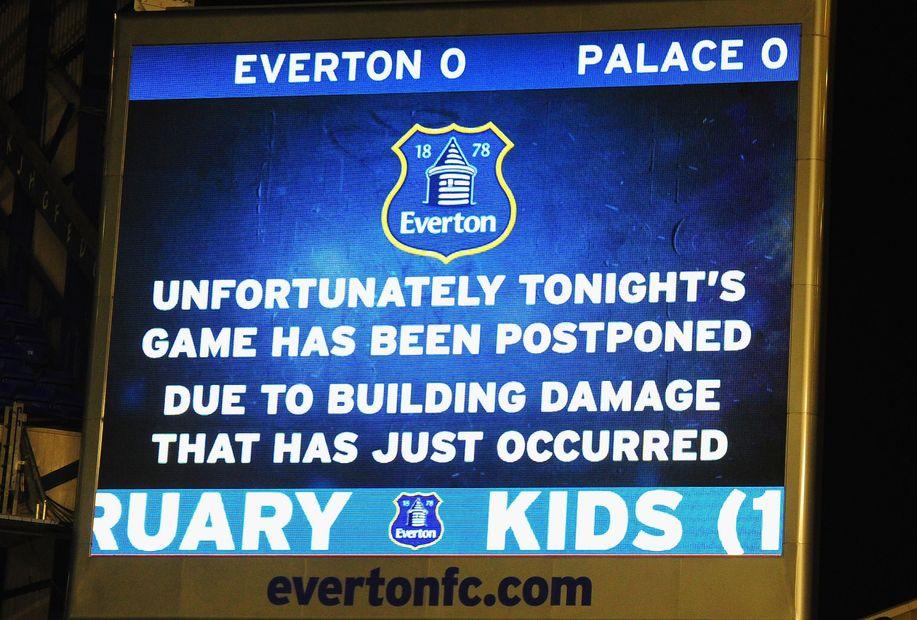 Everton v Crystal Palace postponed screen