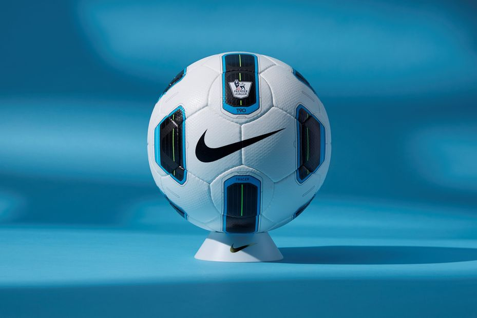 Nike Anniversary Total 90 Tracer Ball 01