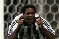Classic match: Kluivert and Bellamy see off Palace