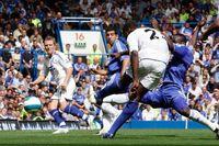 Goal of the day: Kapo's thunderbolt past Cech