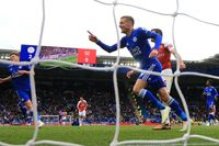 Flashback: Vardy double inspires Leicester win over Arsenal