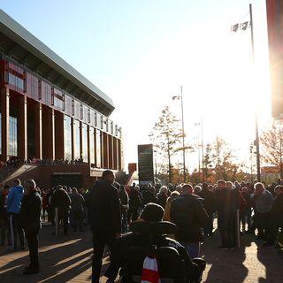 Liverpool-fans-square-crop