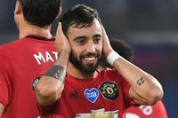Neville: Phenomenal Fernandes up there with Cantona