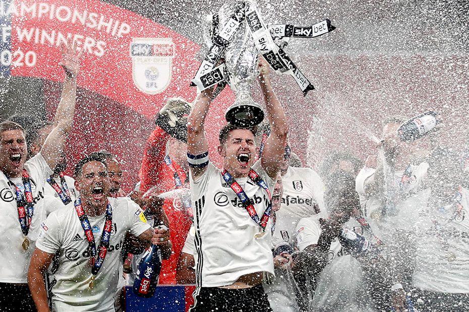 Fulham v Brentford, playoff final trophy lift