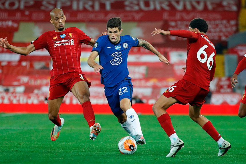 Chelsea's Christian Pulisic takes on Liverpool