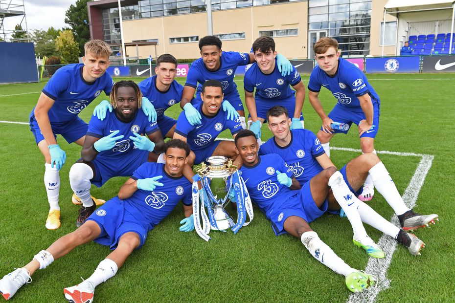 Chelsea celebrate with the PL2 Trophy