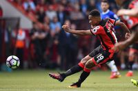 Goal of the day: Stanislas finds the top corner against Everton