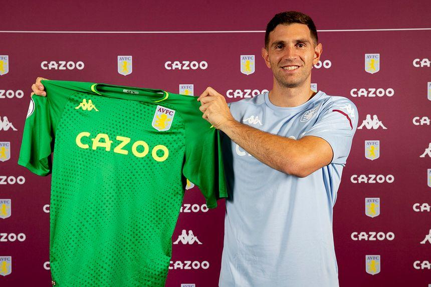 Emiliano Martinez signs for Aston Villa