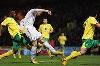 Goal of the day: Bale runs Norwich ragged