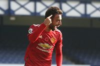 Owen: Fernandes is a leader on and off the pitch
