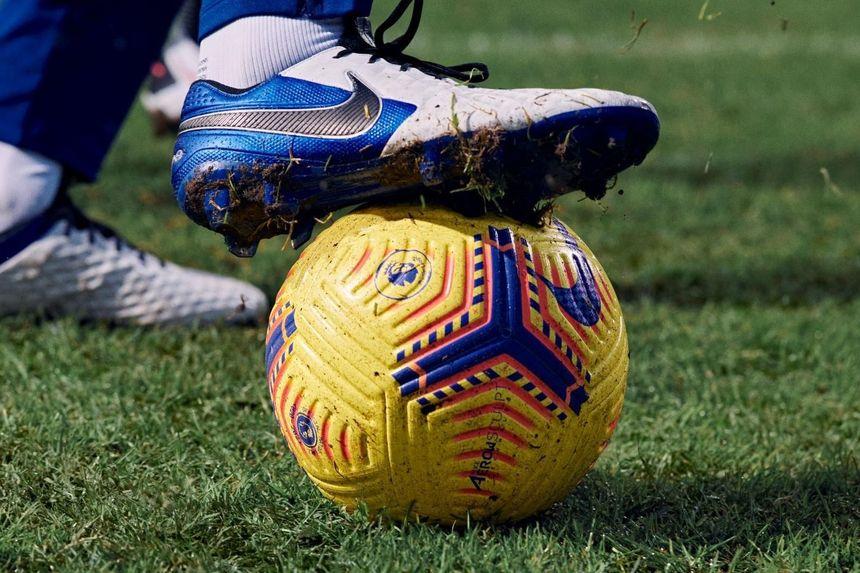 Nike Hi-Vis + boot