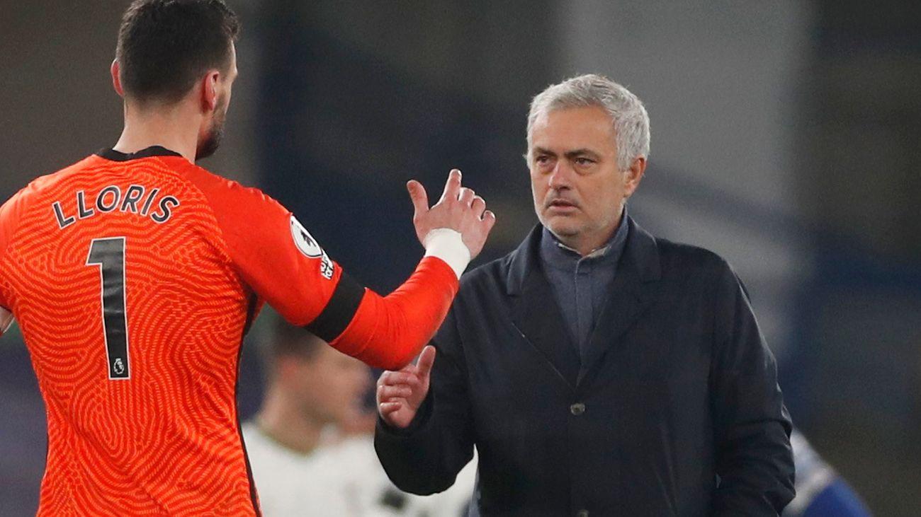 Hoddle: Mourinho got his tactics right against Chelsea