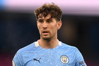 Neville: Stones can keep Laporte out of the team