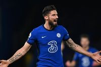Sherwood: Giroud is the best No 9 at Chelsea