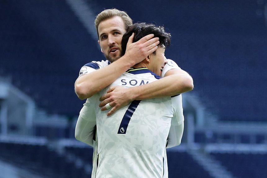 Tottenham Hotspur v Leeds United - Premier League