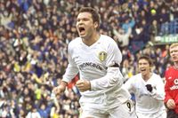 Classic match: Viduka earns Leeds draw with Man Utd