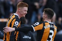 Goal of the day: Unstoppable volley by Clucas