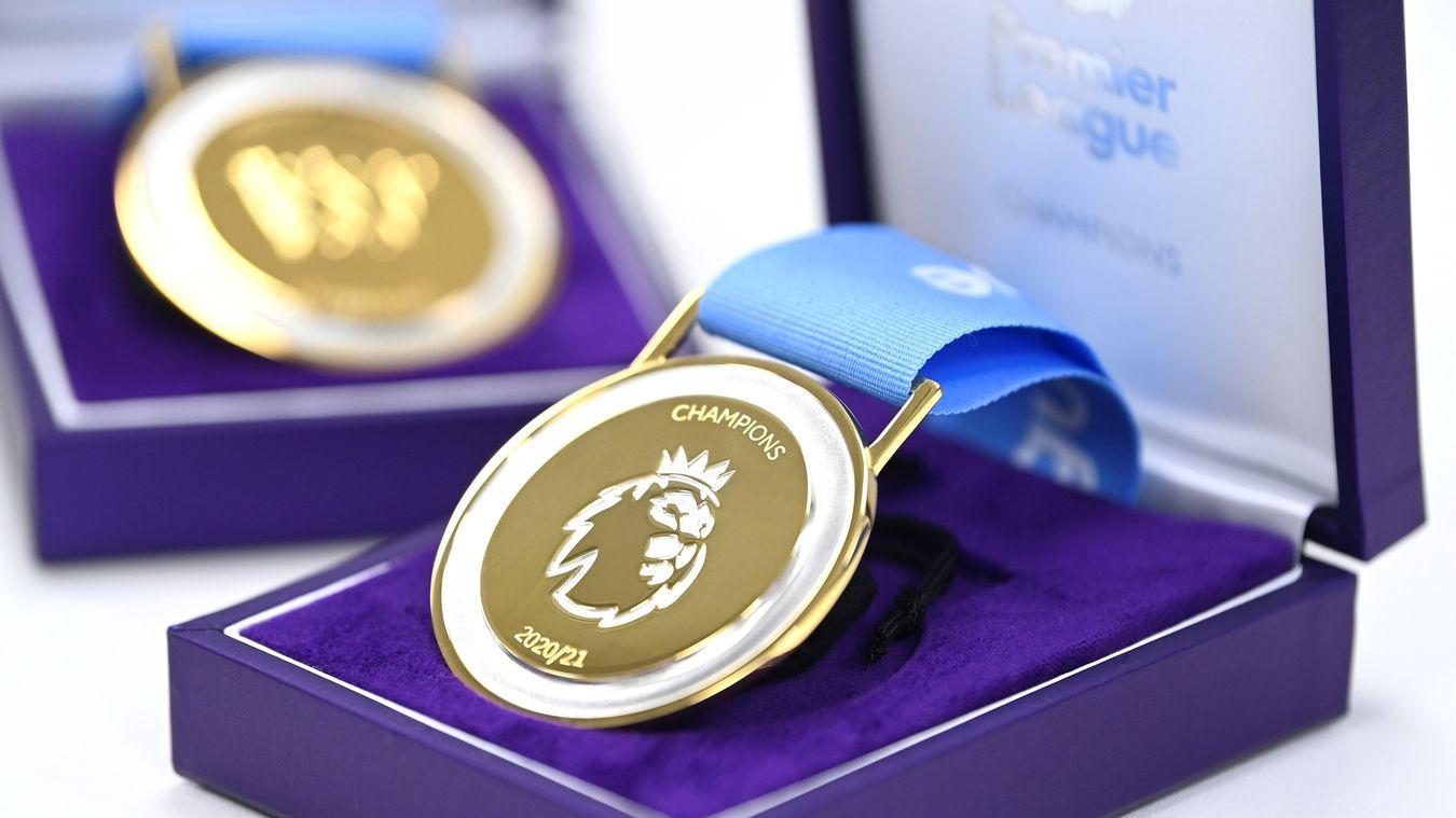 Man City receive 2020/21 Premier League Trophy