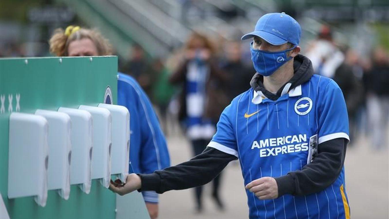 Return of fans: ROS BHA male fan hand sanitiser