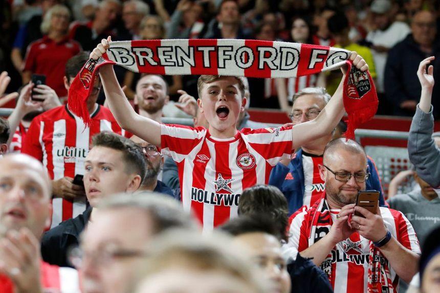 Shearer: Return of fans has made it an amazing start to season