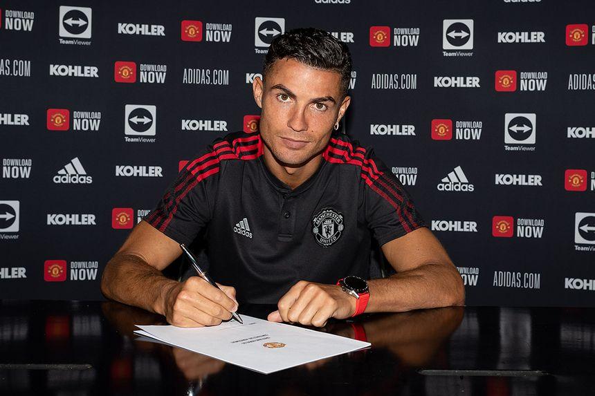Cristiano Ronaldo signing for Man Utd