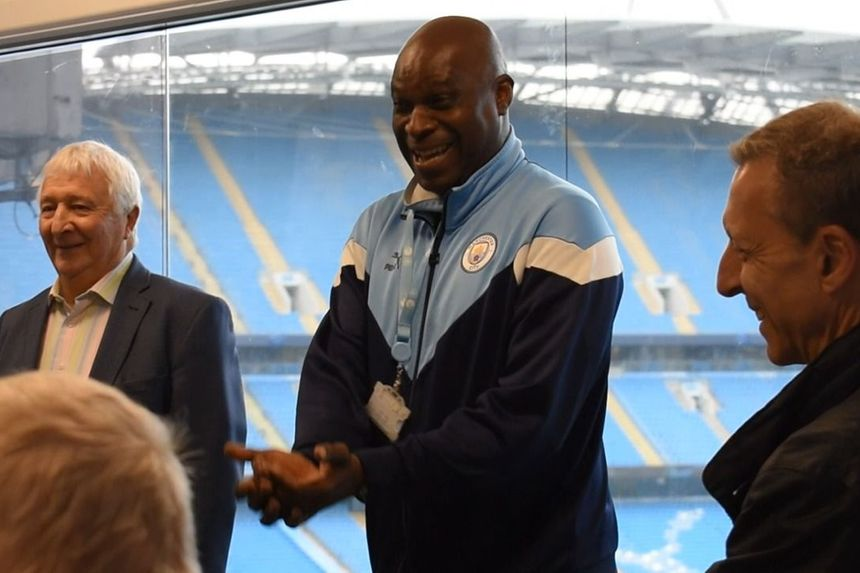 Summerbee and Williams visit Man City's dementia project