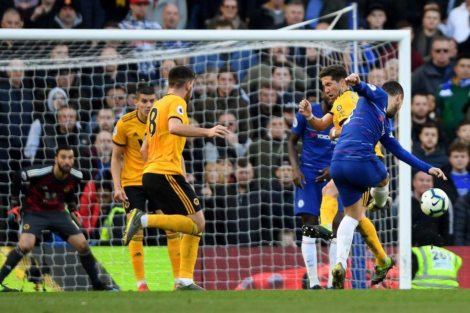 Hazard late strike pegs back Wolves