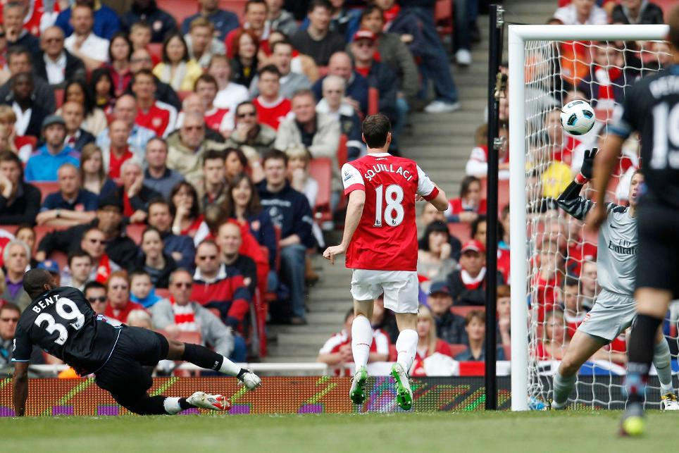 Darren Bent nets his favourite Premier League for Aston Villa in 2011