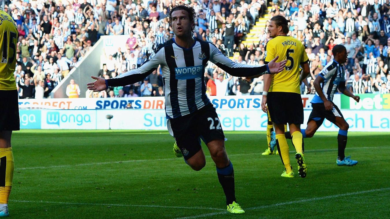 Daryl Janmaat celebrates scoring against Watford