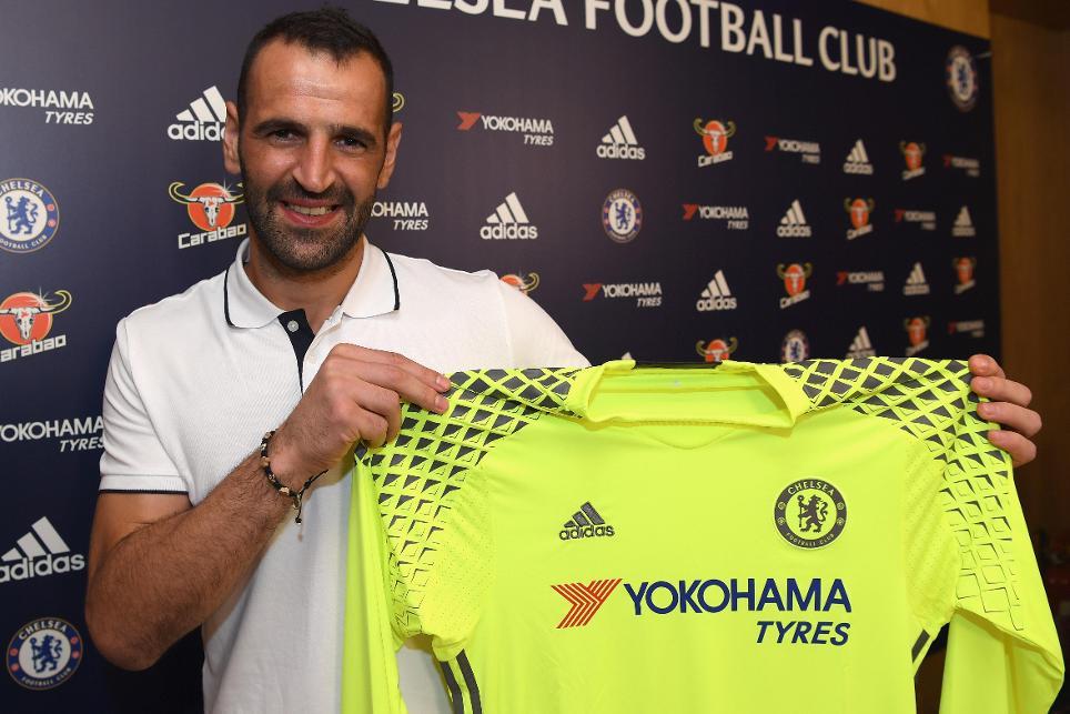 Chelsea bring in Eduardo