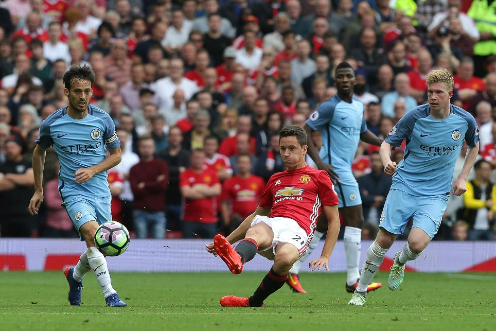 Ander Herrera in action against Man City
