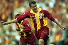 Iconic Moment: Wetherall keeps Bradford up