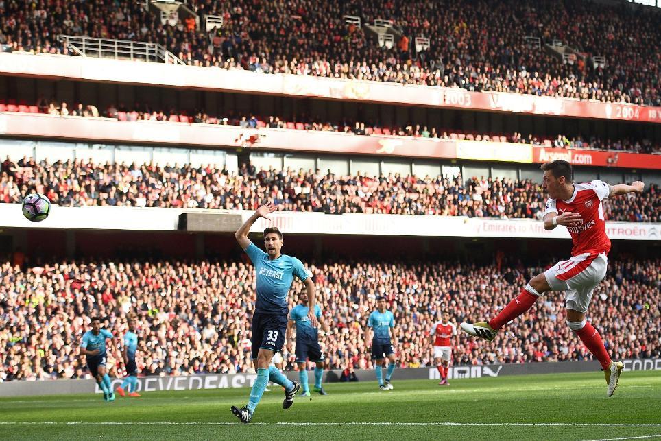 Mesut Ozil, Arsenal v Swansea City